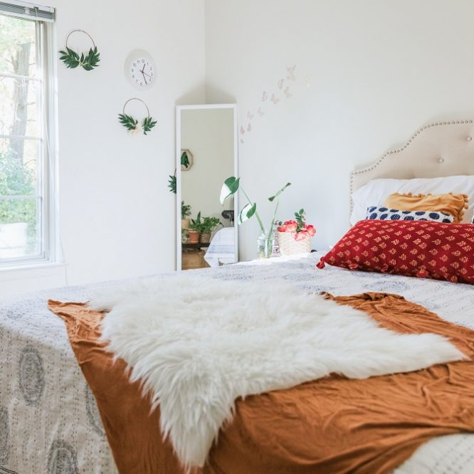how to make a living room into a bedroom